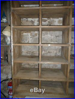Ancien meuble de métier/ étageres atelier 18 cases