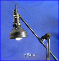 Ancienne Lampe Singer Articulee De Machine A Coudre Industrielle Modele Slf-2