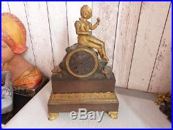 Ancienne Pendule Bronze Au Fil A Restaurer