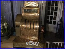 Ancienne caisse enregistreuse en métal de marque national