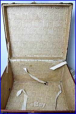 Ancienne et rare malle valise de luxe Lavoet ancien Vuitton