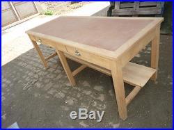 Ancienne grande table en bois de metier POSTE deco loft industriel atelier