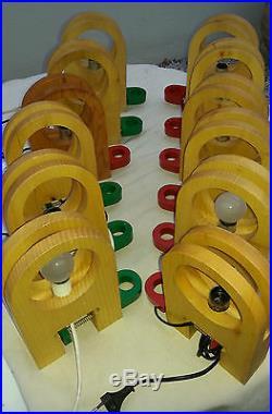 Bel ensemble de 8 appliques. /LAMPES. 80's design italien. MEMPHIS era