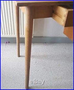 Bureau Style Scandinave Pieds Fuseaux 4 Tiroirs Années 60. T. B. E(sans La Chaise)