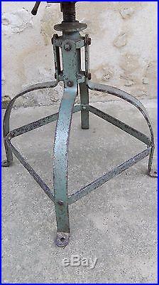 Chaise d'atelier, industrielle, type BIENAISE, patine intact, déco loft, usine