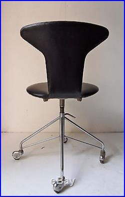 Chaise secrétaire arne jacobsen 1950 assise fritz hansen 1ere serie