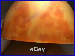 Chapeau de lampe signé Daum Nancy en pâte de verre époque art nouveau