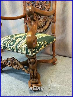 Fauteuil/trône Ancien Neo Gothique En Chêne Sculpté Et Ajouré