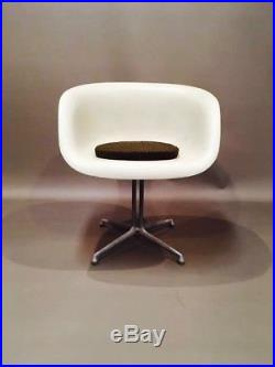 Fauteuil Eames And Girard Pour Herman Miller 1961