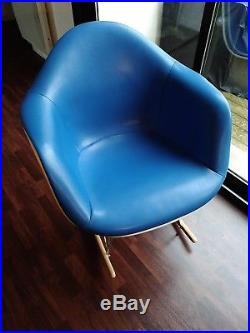 Fauteuil Rocking chair par Charles Eames