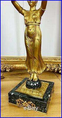 Grande Lampe Bouillotte Des Années 20 À Décor D'une Femme En Bronze Style Empire