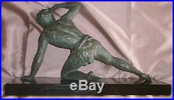 Jean de Roncourt sculpture art déco Guetteur Athlète régule à patine bronze