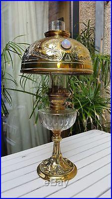 LAMPE À PETROLE ART NOUVEAU Cuve Baccarat- Nénuphars Cabochons opalescents