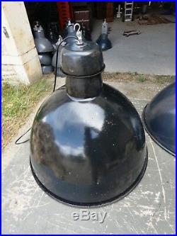 Lampe Industrielle MAZDA 1950 Suspension Métal Tôle émaillée Atelier Usine
