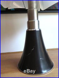 Lampe Pipistrello noire et blanche Gae Aulenti