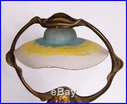 Lampe art nouveau 1900 bronze et verrerie de Daum Nancy