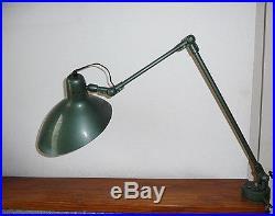 Lampe d'atelier des années 60's 70's avec sa pince étau Jean boris lacroix