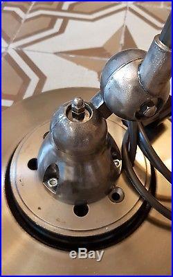 Lampe industrielle Jielde 4 Bras. No Gras No Cremer refaite à neuf