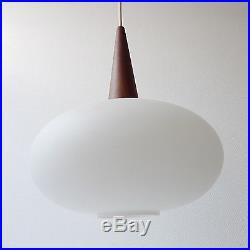 Lustre suspension scandinave vintage années 50 70 design 1970 verre opaline bois