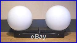 Paire Applique Lampe Fonte Aluminium Globe Opaline Moderniste Design 50 60