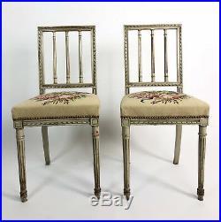Paire De Chaises Ancienne En Bois Peint De Style Louis XVI Avec Belle Tapisserie