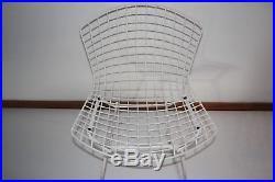 Paire de Chaise Wire blanche de Harry Bertoia, édité chez Knoll