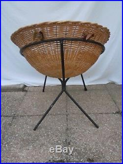 Paire de fauteuil rotin pieds metal dlg Matégot vers 1950