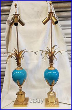 Paire de lampes Maison Charles en opaline bleue