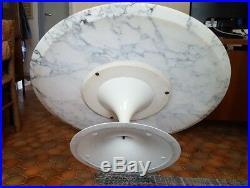 Rare table basse ronde tulip Eero Saarinen Marbre 107cm KNOLL
