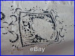 Rideau en lin 150 sur 250 brodé main richelieu motif personnages