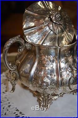 Service à café et à thé en métal argenté de style Louis XV (4 pièces)