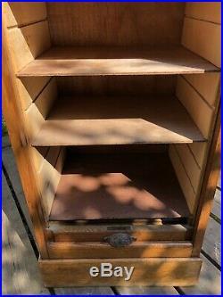 Superbe meuble à rideau classeur à début XXeme chêne, meuble de métier vintage