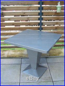 TABLE café Bistrot Métal TOLIX KUB-Xavier PAUCHARD-DESIGN INDUSTRIEL-80X80 cm