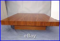 Table basse, noyer d'Amérique, 1970 vintage l 90x90 x 23 haut