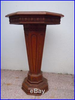 Table gueridon bois sculpté époque Art Déco vers 1930