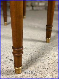 Table ovale à bandeau en noyer à 6 pieds de 1m20 à 2,87M (4 rallonges de 45 cm)