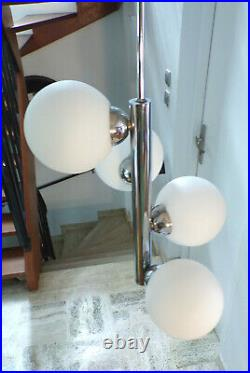 VINTAGE SUSPENSION LUSTRE SPACE AGE LAMPE 4 GLOBE OPALINE GIVRé Métal CHROMé 70