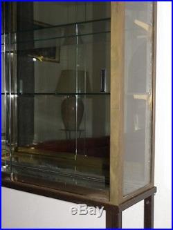 Vitrine De Magasin En Bronze Et Verre, époque Art Déco