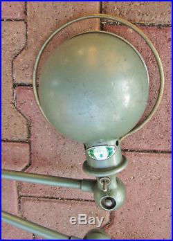 - ancienne lampe atelier industrielle Jielde